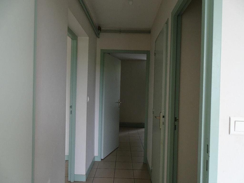 Appartement à louer 3 64m2 à Saint-Junien vignette-11