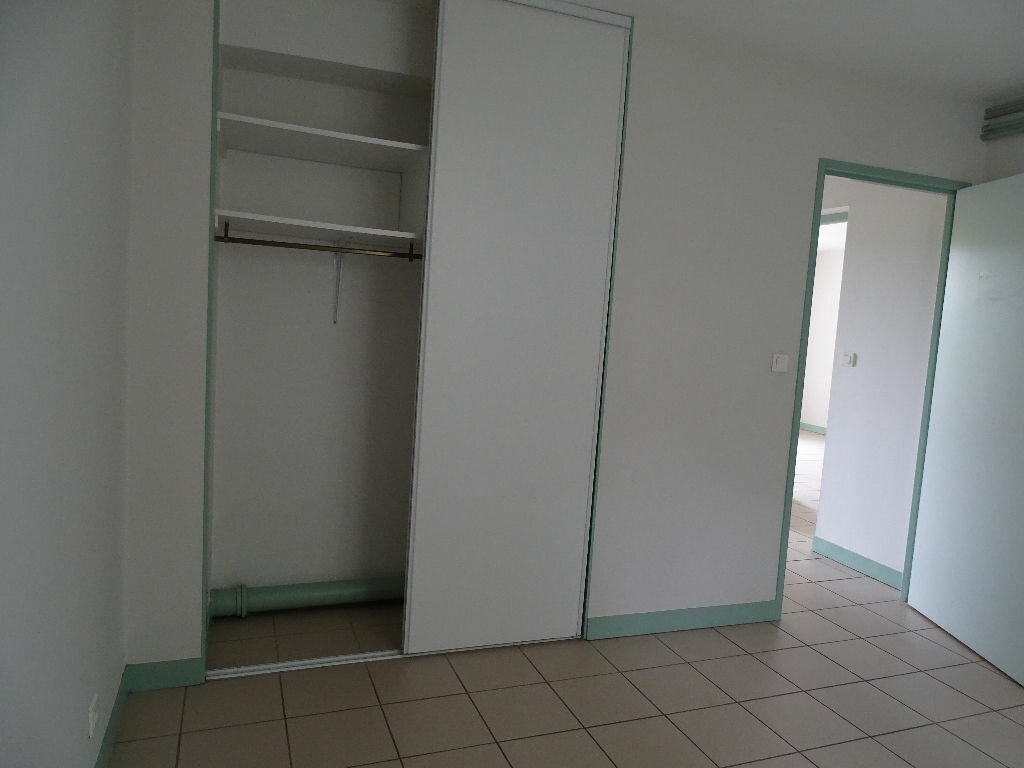 Appartement à louer 3 64m2 à Saint-Junien vignette-13