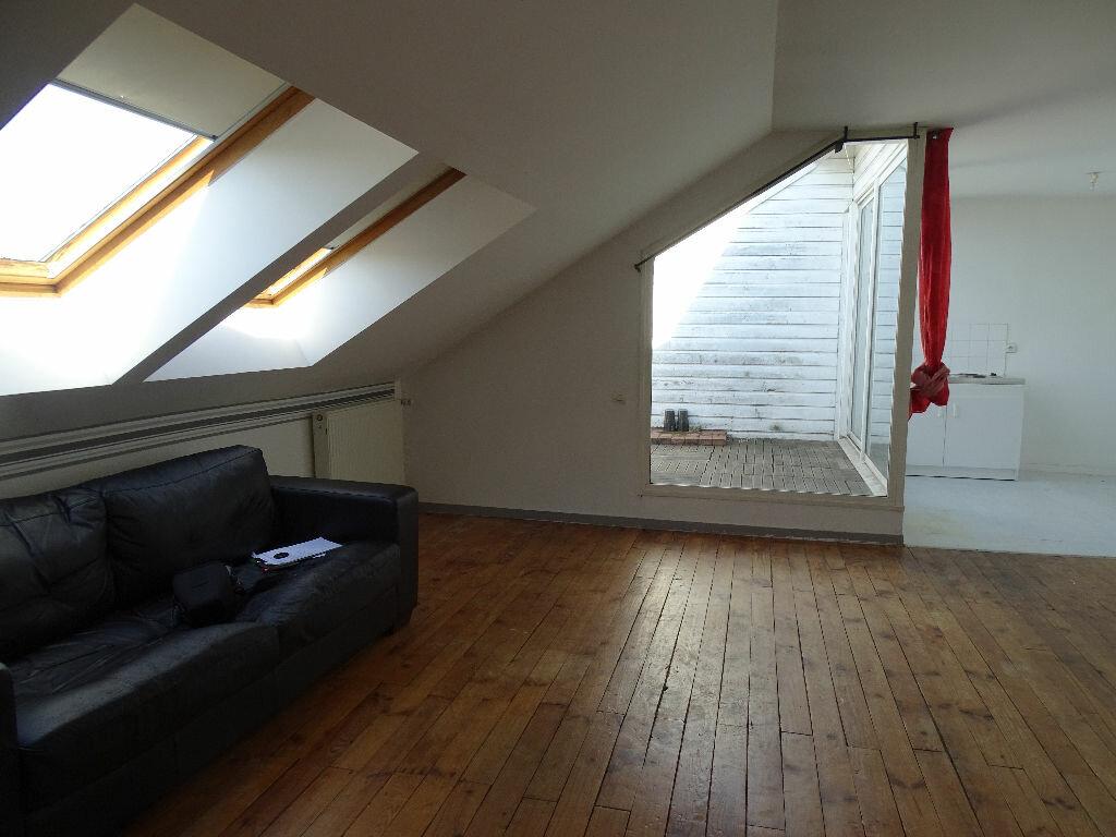 Appartement à louer 1 40m2 à Saint-Junien vignette-1