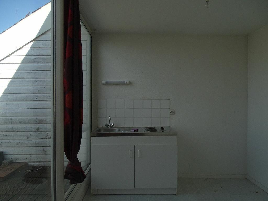 Appartement à louer 1 40m2 à Saint-Junien vignette-3