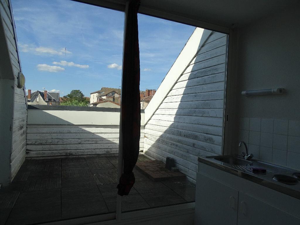 Appartement à louer 1 40m2 à Saint-Junien vignette-6