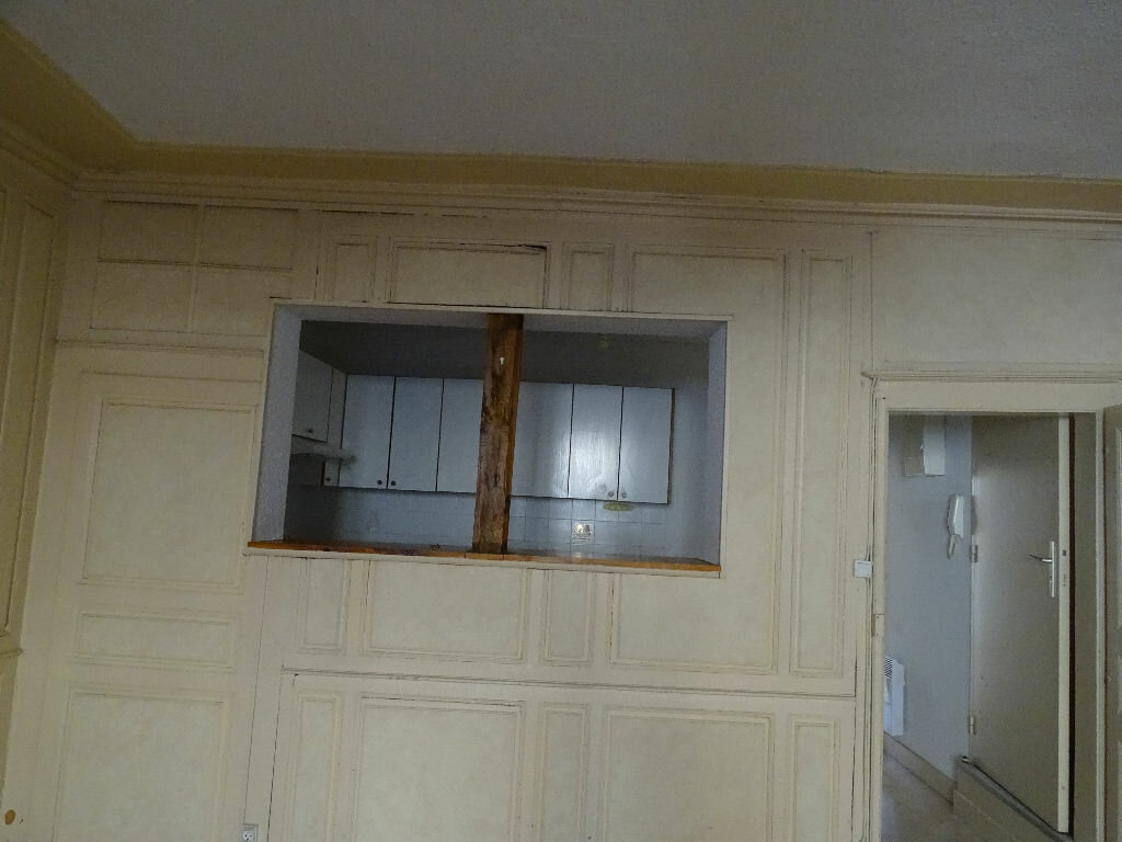 Appartement à louer 2 51m2 à Saint-Junien vignette-2
