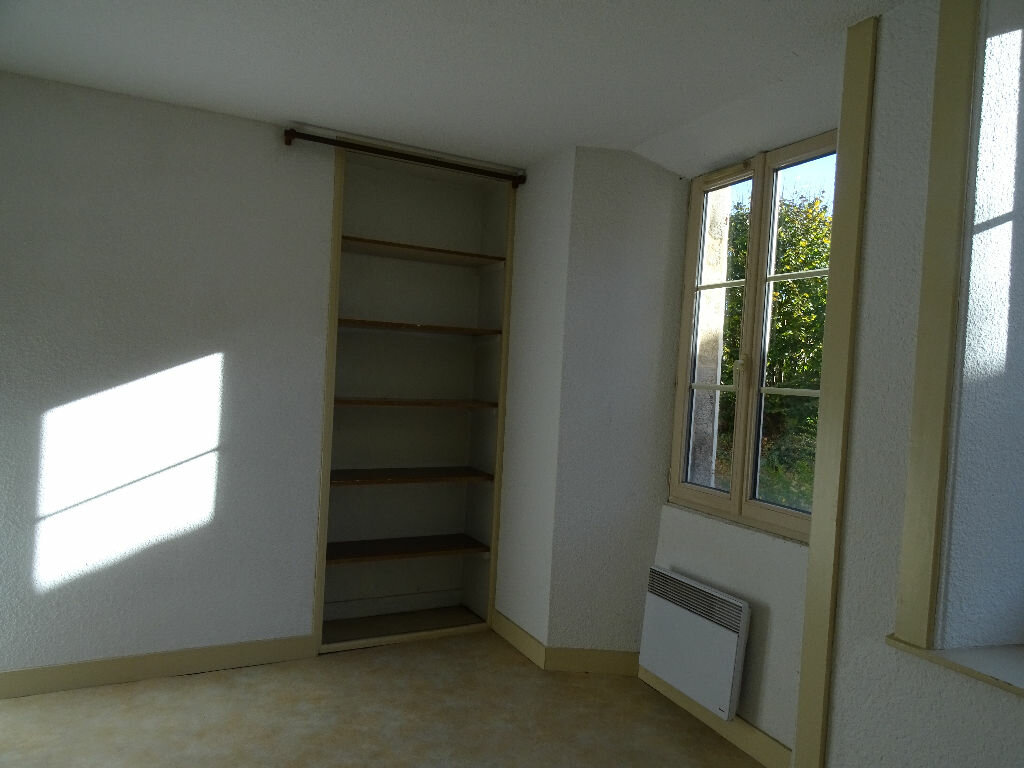 Appartement à louer 2 51m2 à Saint-Junien vignette-9