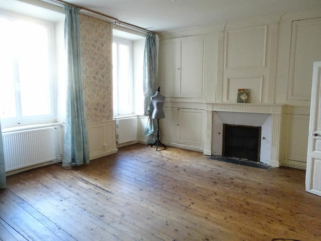 Immeuble à vendre 0 330m2 à Saint-Junien vignette-4