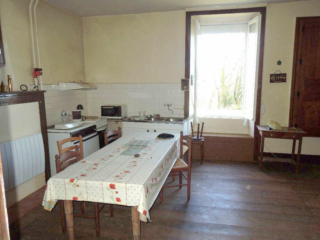 Maison à vendre 5 270m2 à Brigueuil vignette-3
