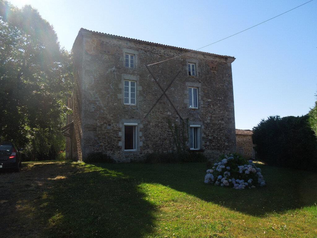 Maison à vendre 5 270m2 à Brigueuil vignette-15