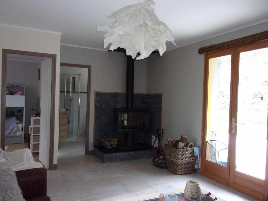 Maison à louer 5 130m2 à Saint-Auvent vignette-1