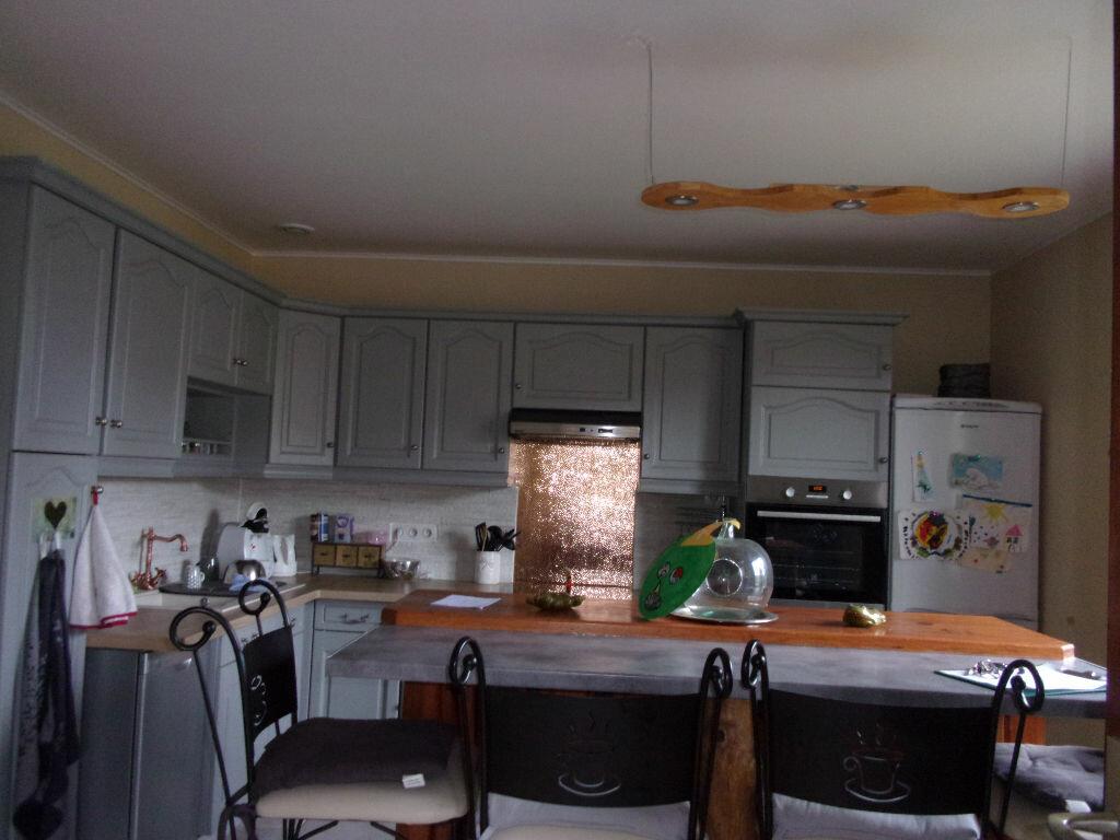 Maison à louer 5 130m2 à Saint-Auvent vignette-2
