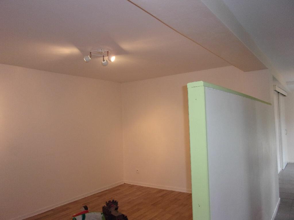 Maison à louer 5 130m2 à Saint-Auvent vignette-8