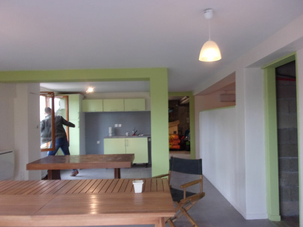 Maison à louer 5 130m2 à Saint-Auvent vignette-9