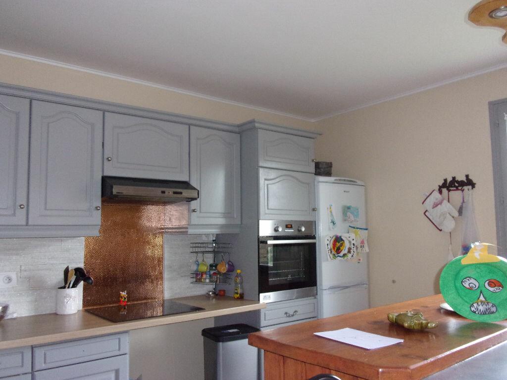 Maison à louer 5 130m2 à Saint-Auvent vignette-13