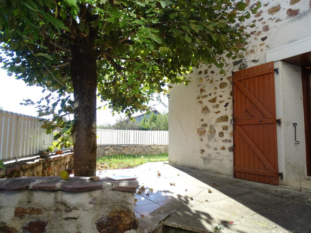 Maison à vendre 5 140m2 à Saint-Junien vignette-2
