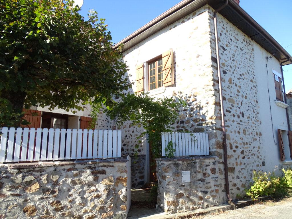 Maison à vendre 5 140m2 à Saint-Junien vignette-4