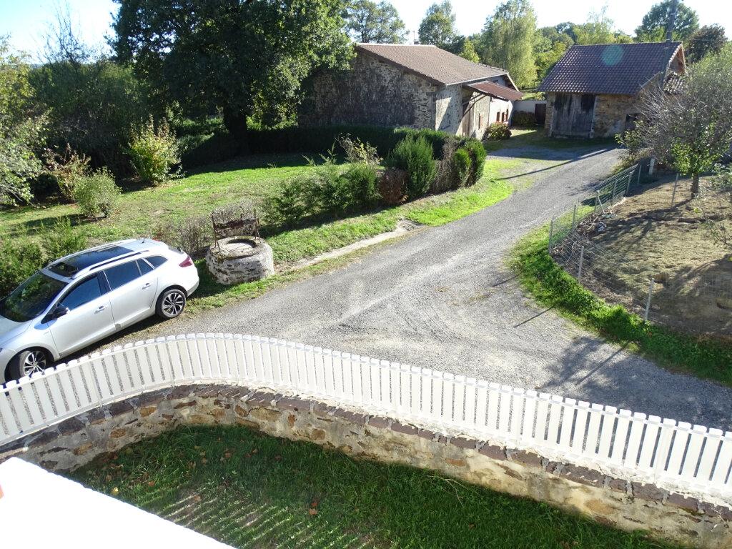 Maison à vendre 5 140m2 à Saint-Junien vignette-5