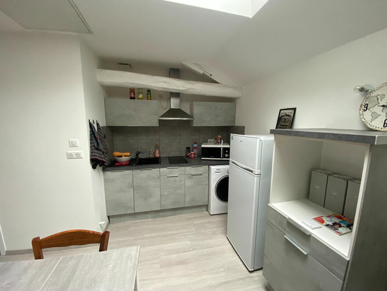 Appartement à louer 1 22m2 à Saint-Junien vignette-1