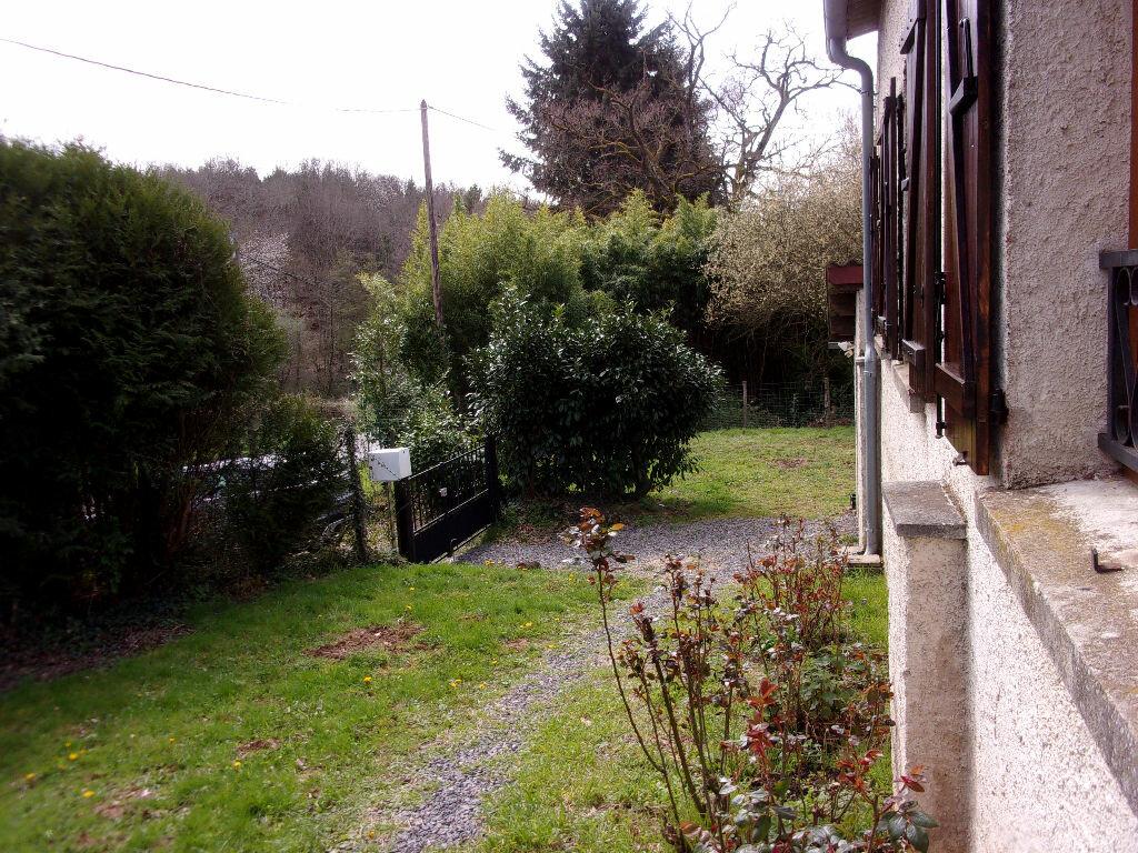Maison à louer 3 75m2 à Brigueuil vignette-9