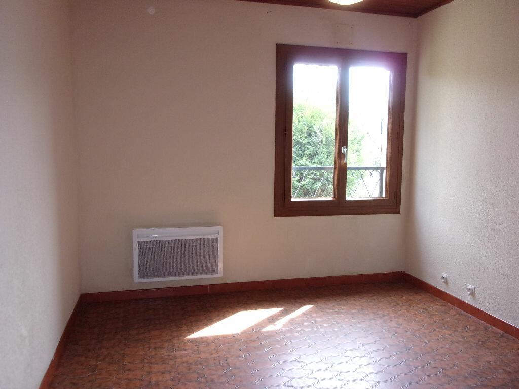 Maison à louer 3 75m2 à Brigueuil vignette-15