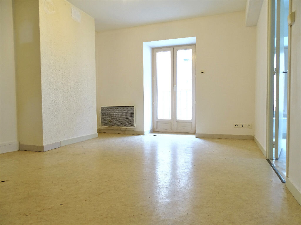 Maison à louer 3 97m2 à Saint-Junien vignette-4
