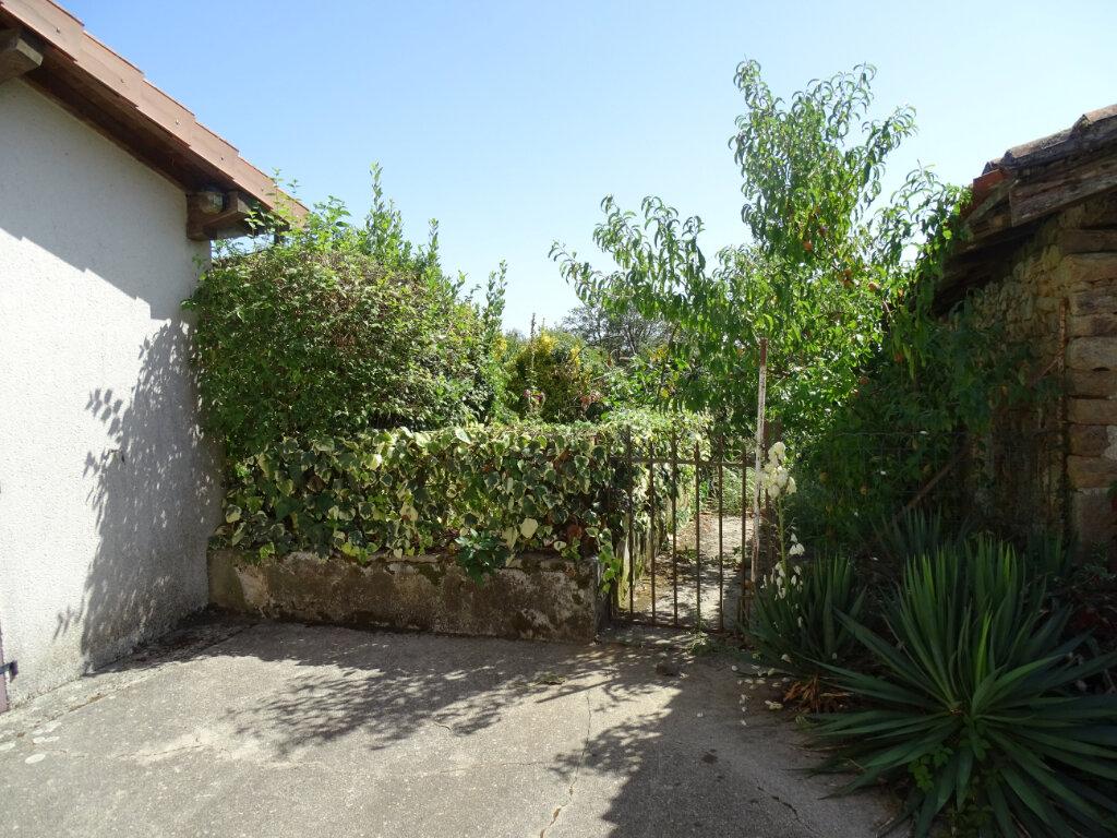Maison à vendre 4 70m2 à Brigueuil vignette-9