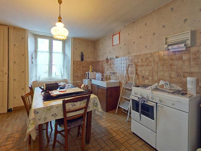 Maison à vendre 7 160m2 à Rochechouart vignette-6