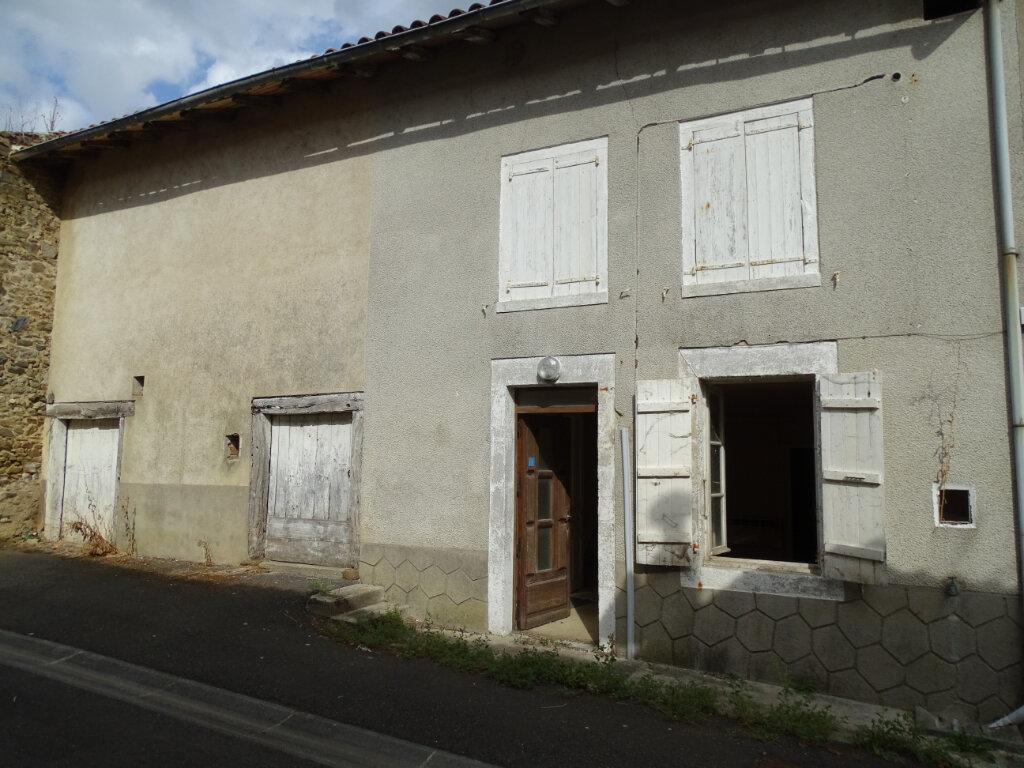 Maison à vendre 4 70m2 à Saillat-sur-Vienne vignette-1