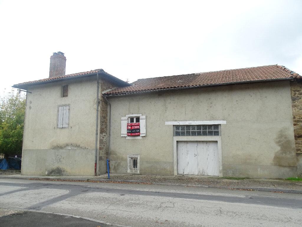 Maison à vendre 4 70m2 à Saillat-sur-Vienne vignette-4