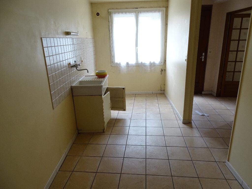 Maison à vendre 4 95m2 à Chabanais vignette-3