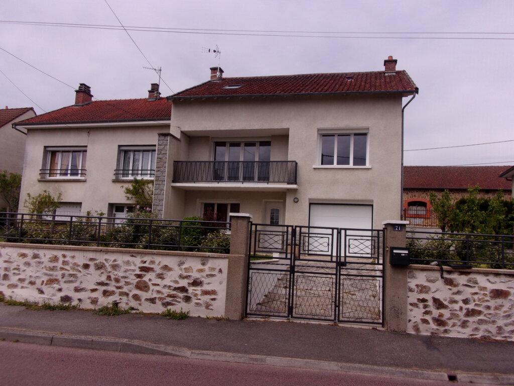 Maison à louer 6 141m2 à Saint-Junien vignette-1