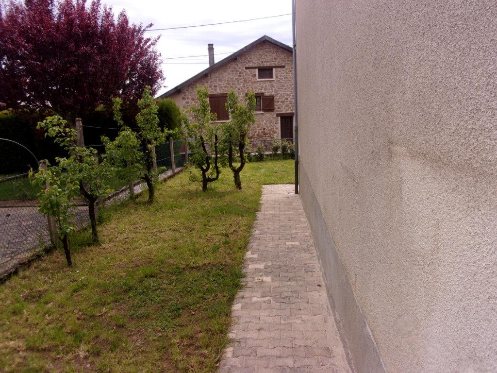 Maison à louer 6 141m2 à Saint-Junien vignette-2