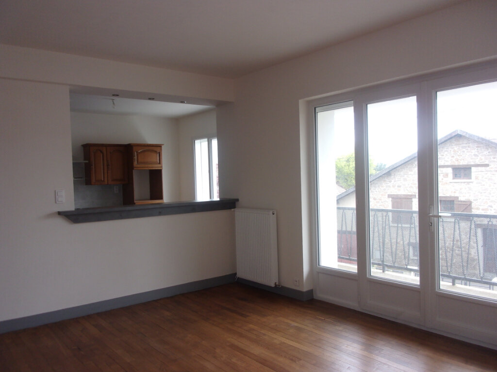 Maison à louer 6 141m2 à Saint-Junien vignette-4