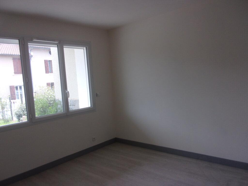 Maison à louer 6 141m2 à Saint-Junien vignette-5