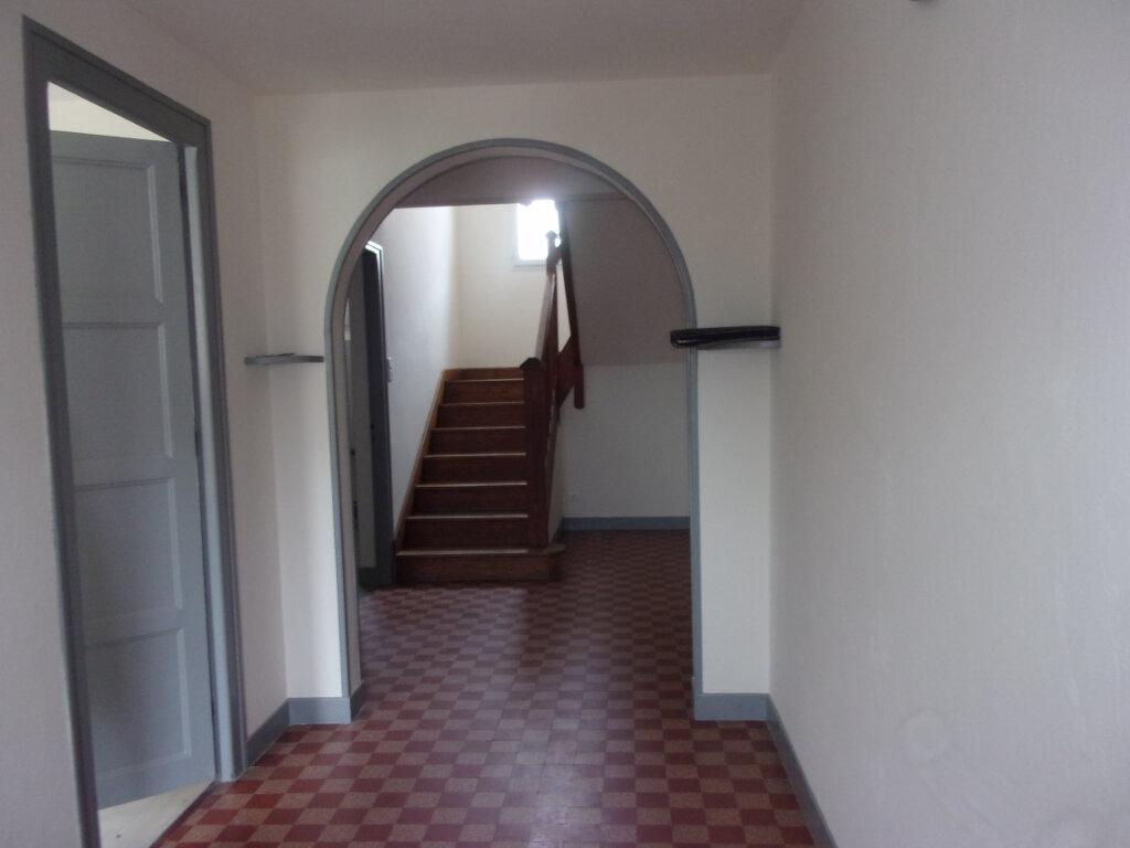 Maison à louer 6 141m2 à Saint-Junien vignette-6