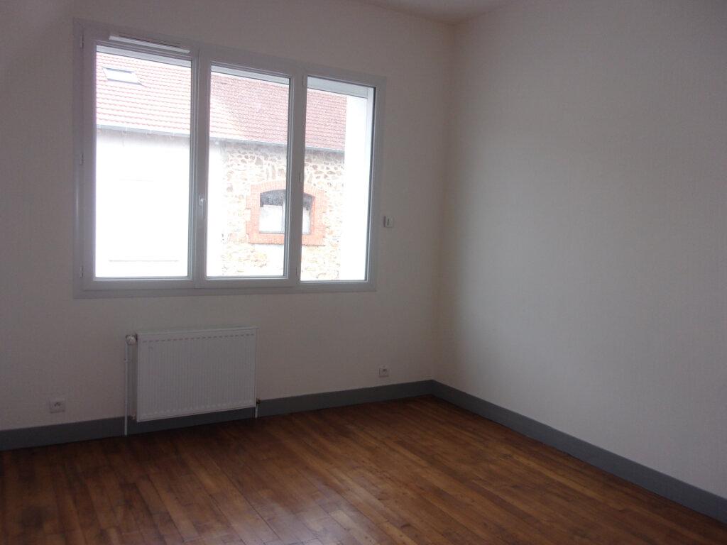Maison à louer 6 141m2 à Saint-Junien vignette-8
