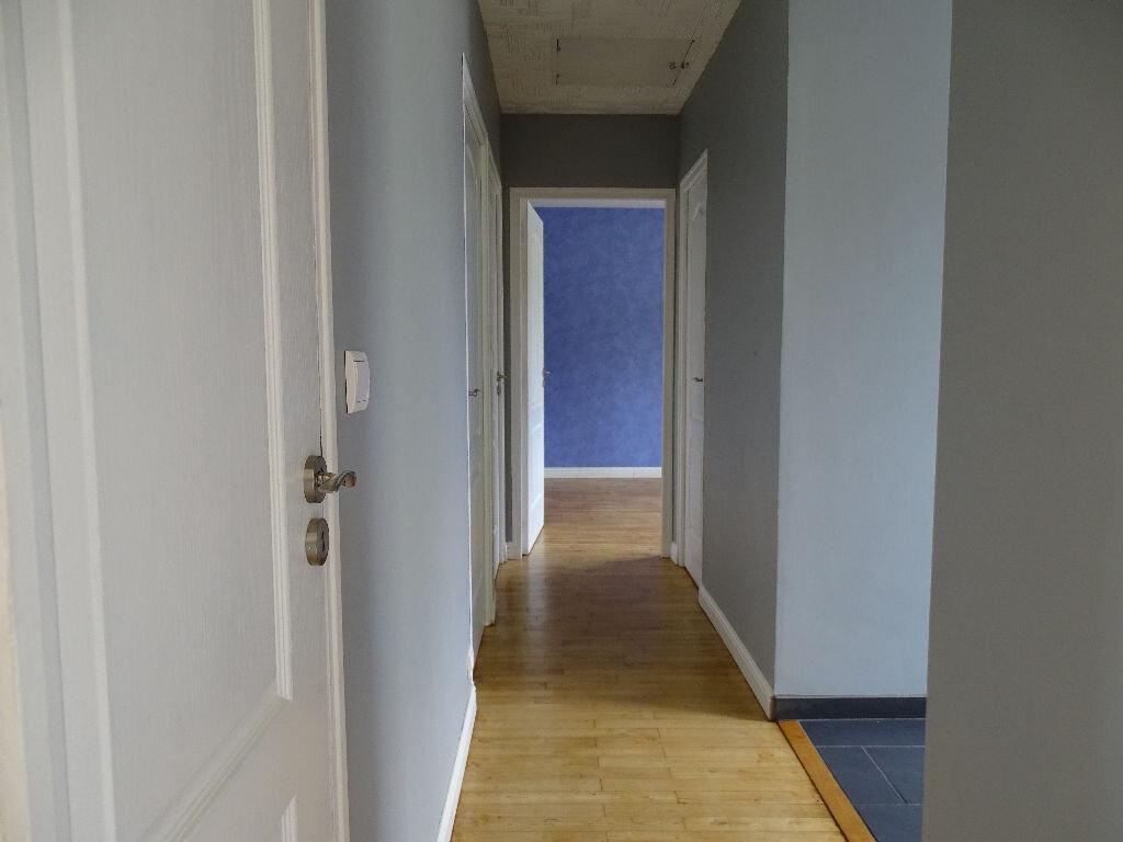 Maison à louer 6 110m2 à Saillat-sur-Vienne vignette-10