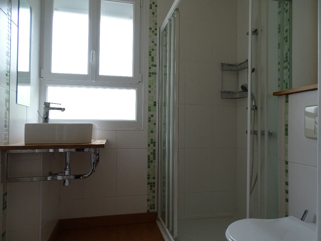 Maison à louer 6 110m2 à Saillat-sur-Vienne vignette-14