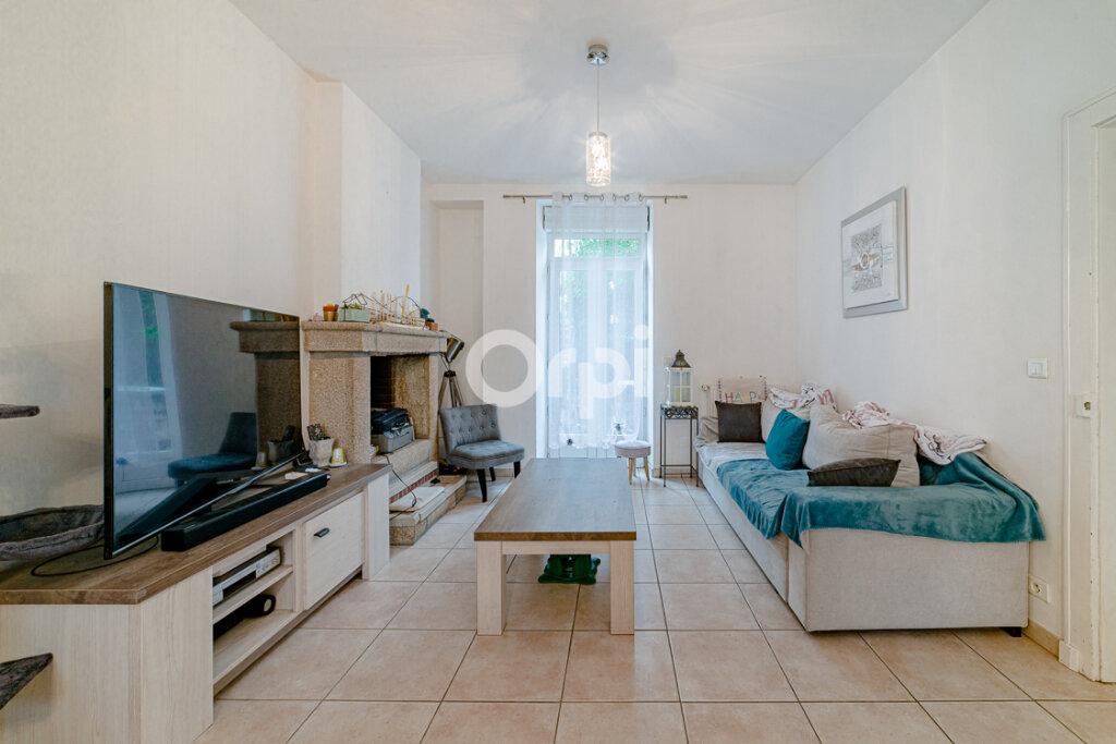 Maison à vendre 8 183m2 à Saint-Junien vignette-2