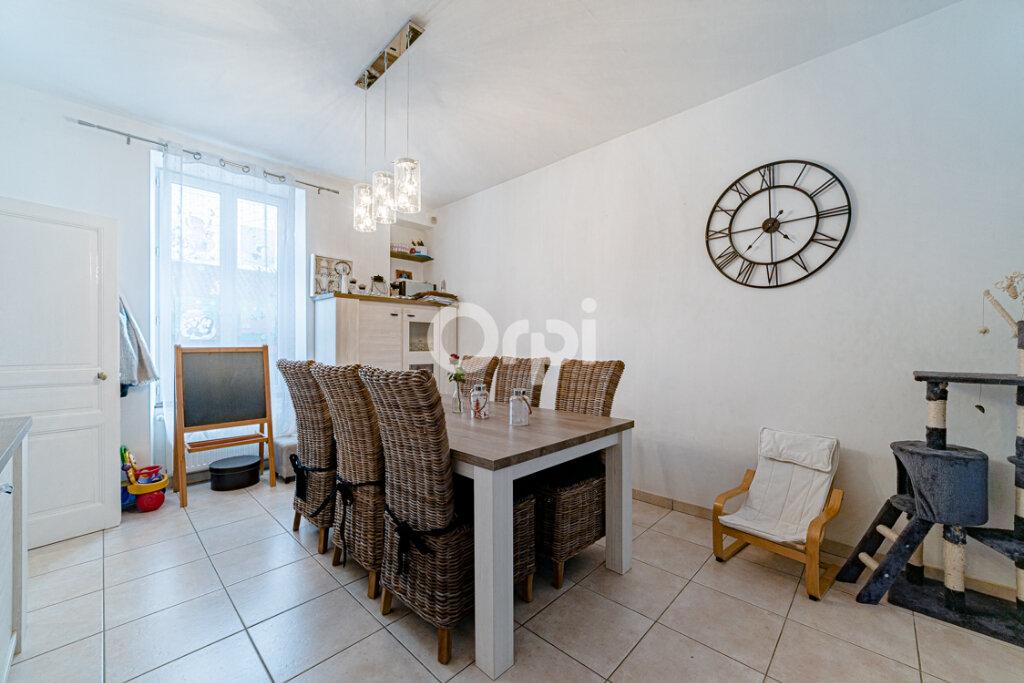 Maison à vendre 8 183m2 à Saint-Junien vignette-3