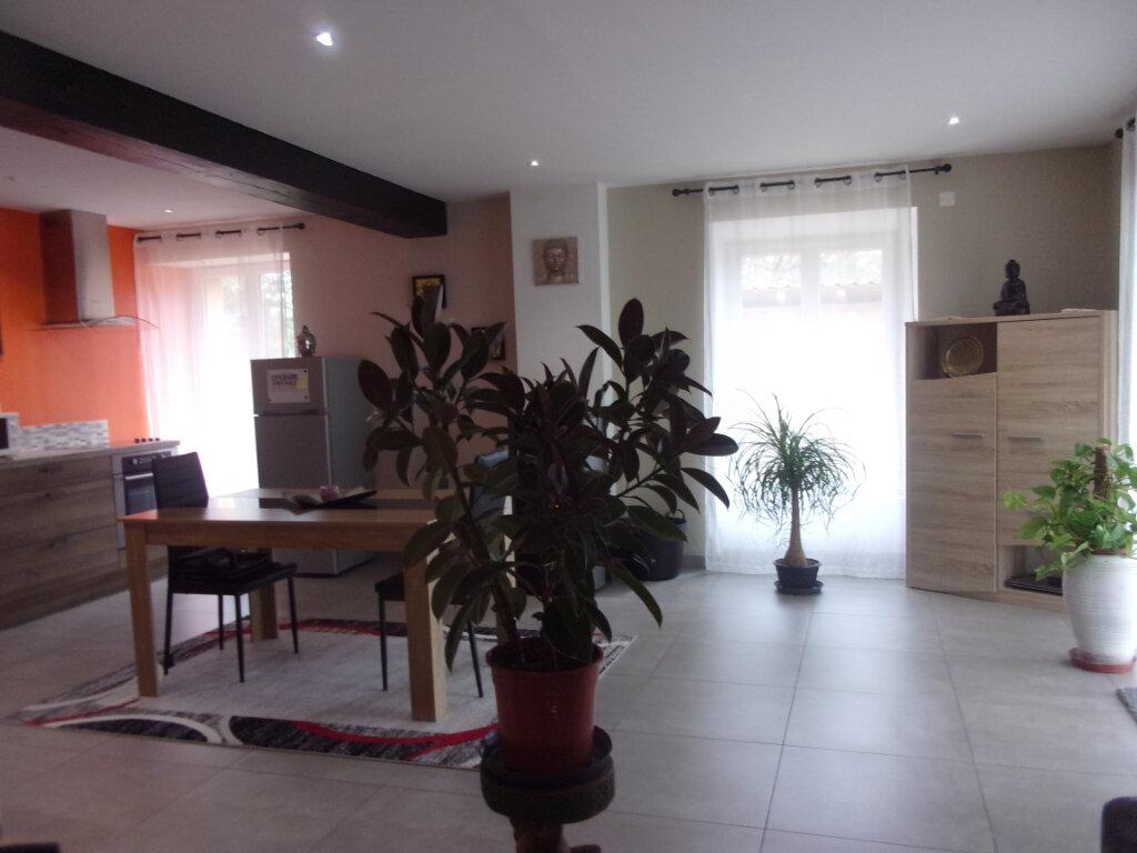 Maison à vendre 4 75m2 à Saint-Junien vignette-3