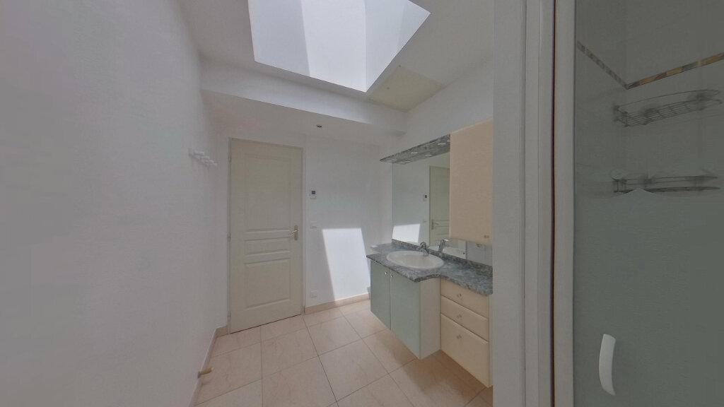 Appartement à louer 4 130m2 à Saint-Junien vignette-2