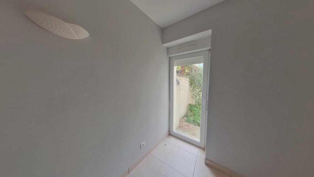 Appartement à louer 4 130m2 à Saint-Junien vignette-3