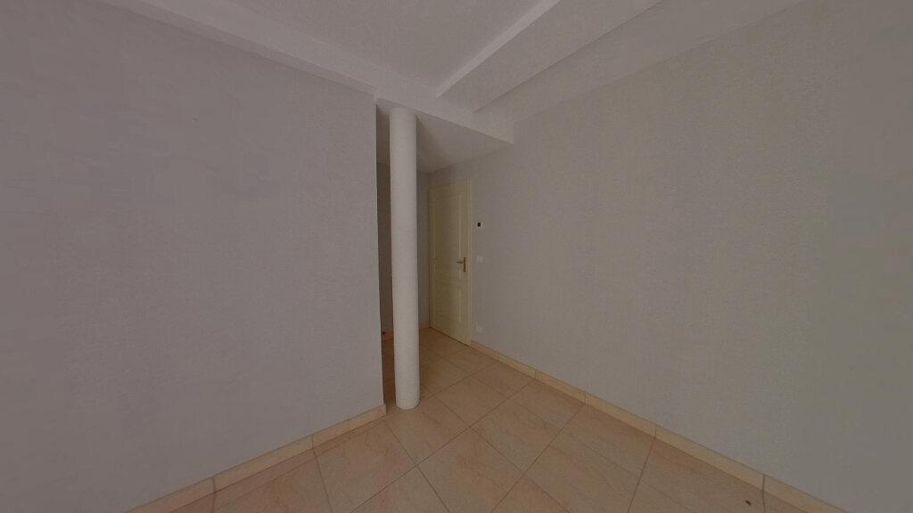 Appartement à louer 4 130m2 à Saint-Junien vignette-4