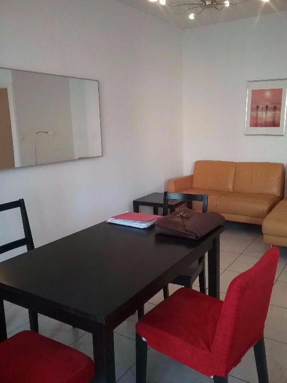 Appartement à louer 2 40m2 à Valenciennes vignette-2