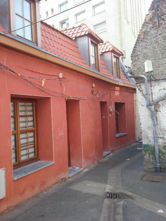 Maison à louer 2 29m2 à Valenciennes vignette-1