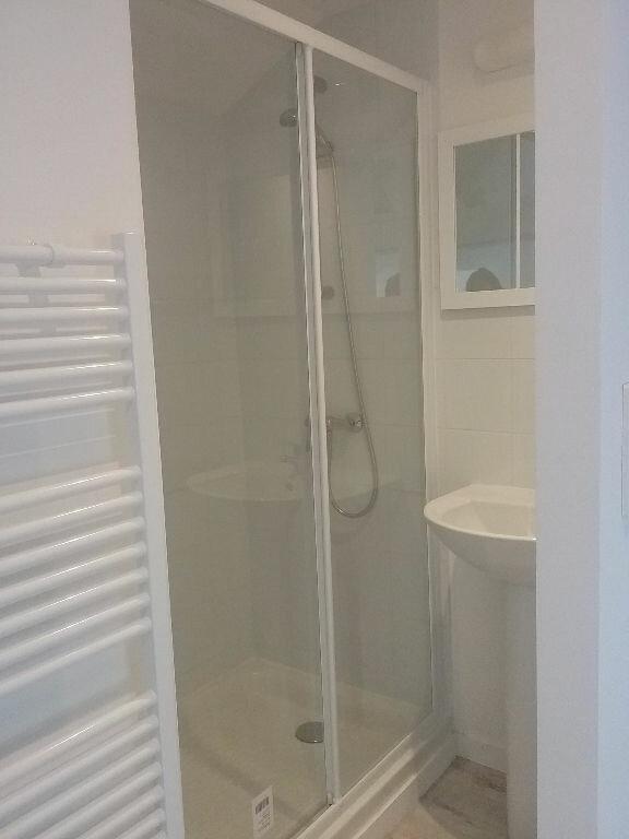Maison à louer 2 29m2 à Valenciennes vignette-3