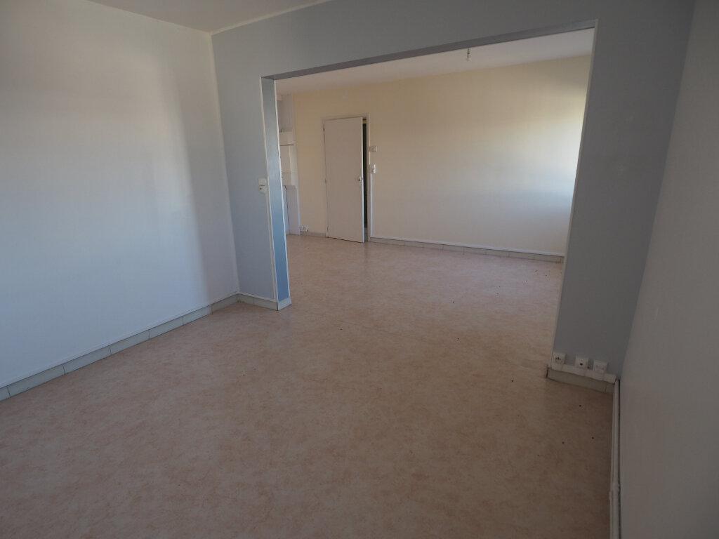 Appartement à vendre 3 60m2 à Jeumont vignette-2
