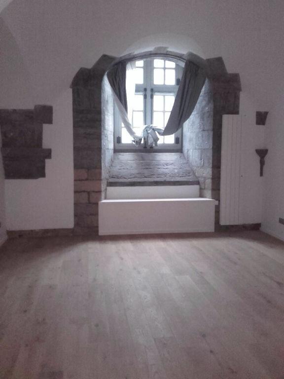 Appartement à louer 2 62.6m2 à Valenciennes vignette-2