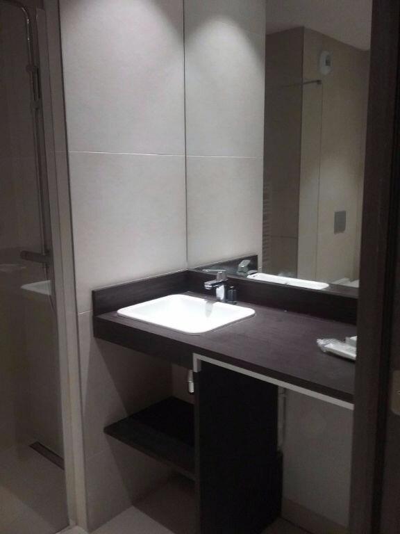 Appartement à louer 2 62.6m2 à Valenciennes vignette-5