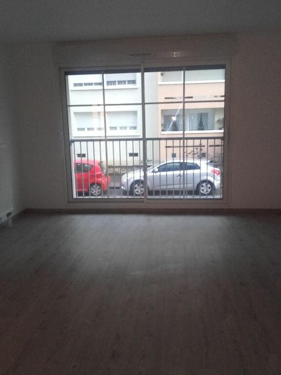 Appartement à louer 2 47.55m2 à Valenciennes vignette-5