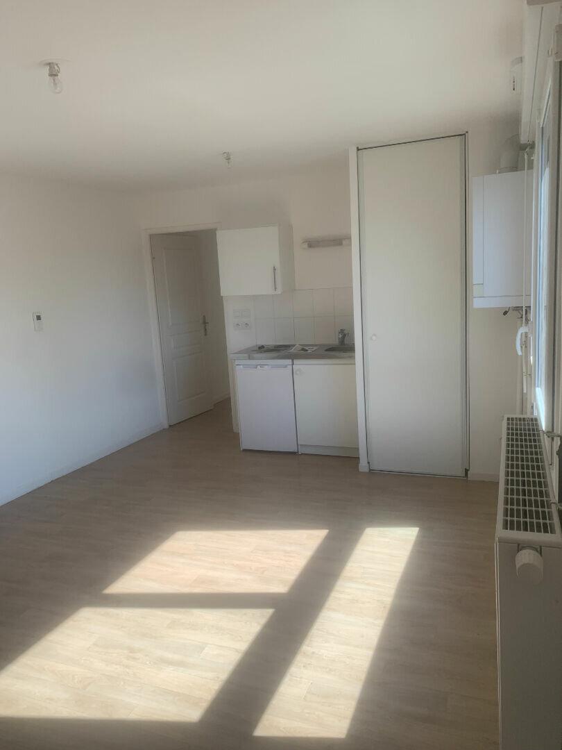 Appartement à louer 2 35.92m2 à Valenciennes vignette-1