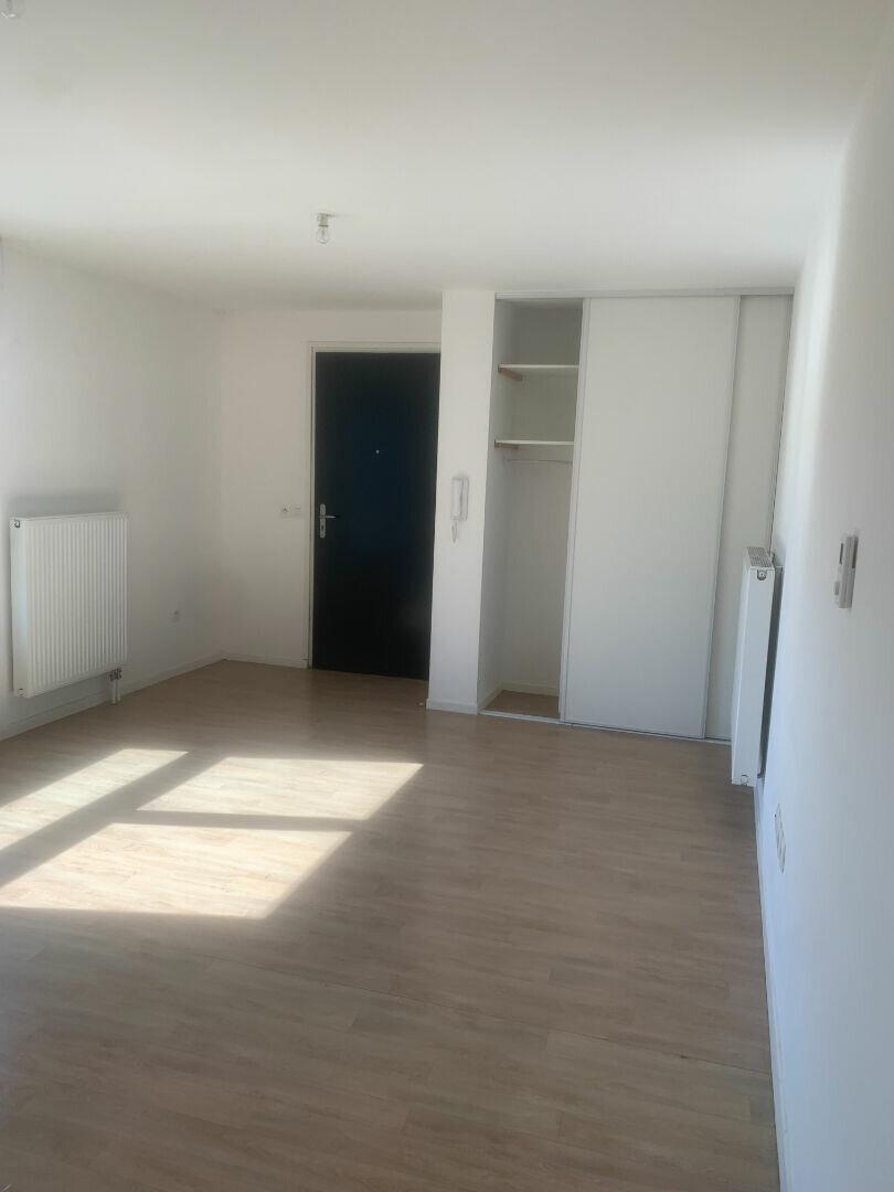 Appartement à louer 2 35.92m2 à Valenciennes vignette-2